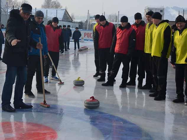 Во время Олимпиады в керлинг начали играть даже сибирские заключенные