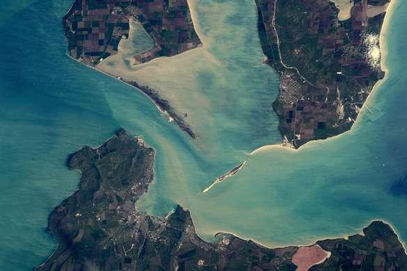 Американский астронавт Тимати Копра сфотографировал строящийся мост с МКС