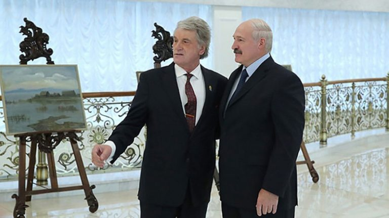 Зачем Лукашенко воскресил Ющенко перед встречей с Путиным