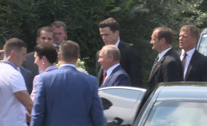 Совет да любовь: Путин поздр…