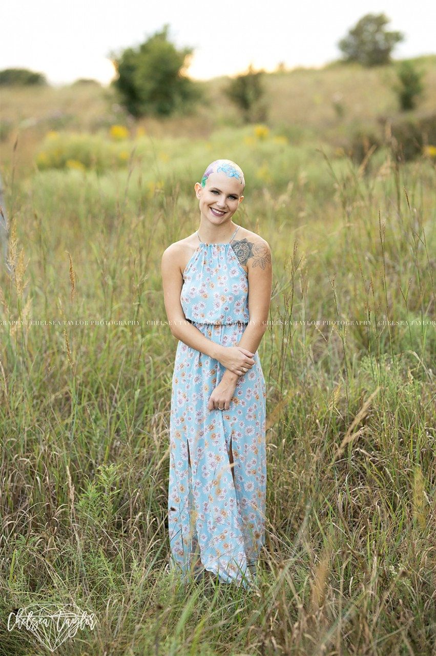 Mom Spends Hours Painting Daughter's Bald Head For Her Senior Year Portraits, And The Result Is Beautiful