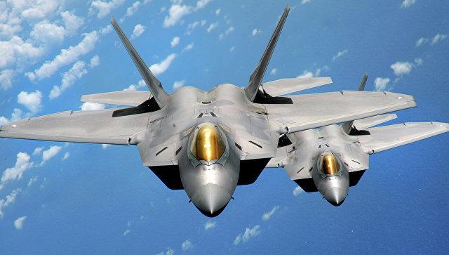 Business Insider объяснил, почему F-22 уступил Су-35С в небе над Сирией