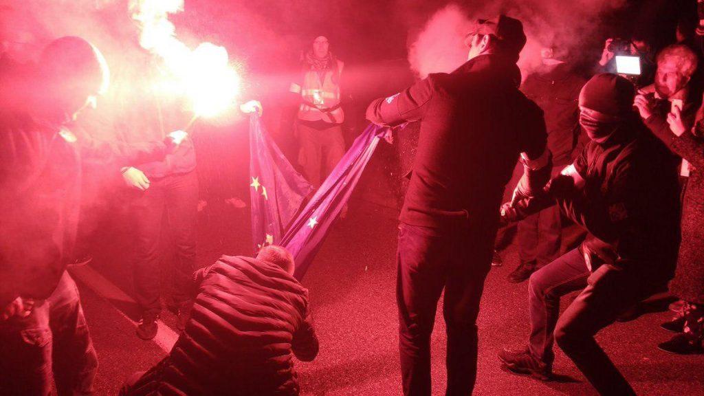 Polexit стал еще ближе: марш польских националистов обернулся антиевропейской акцией