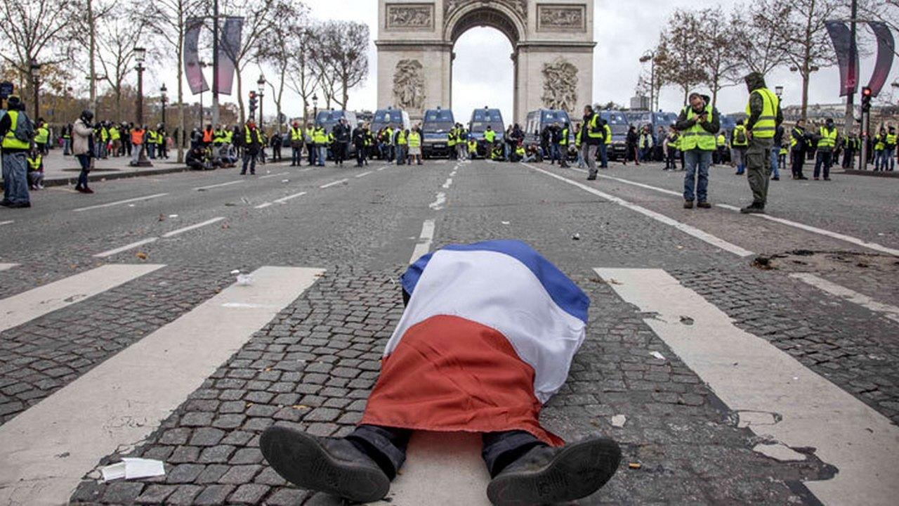 Куда же без России: Майдан в Париже и «рука Кремля»