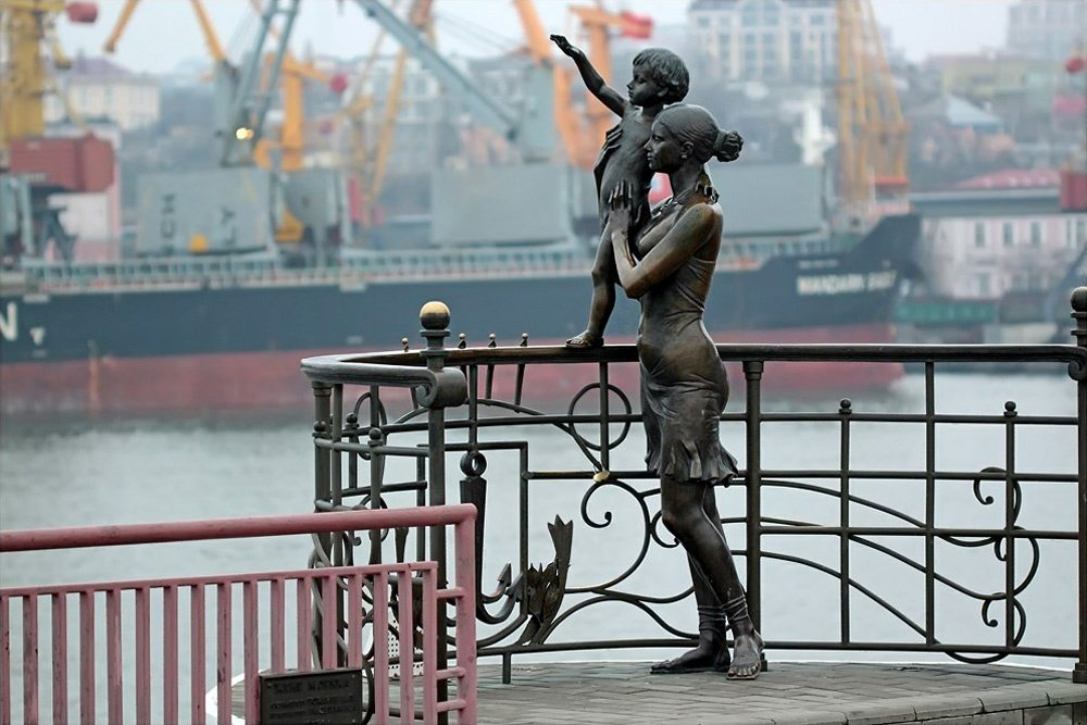 Памятники любви, дружбе и преданности, установленные в разных уголках мира