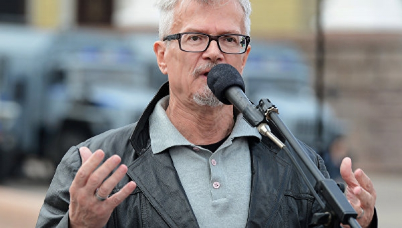 """Лимонов предложил """"заморозить Украину как собаку"""""""