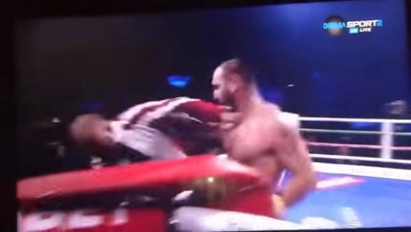 Боксер так расстроился из-за…
