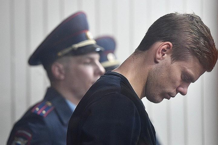 «Он мухи не обидит»: Гражданская жена Кокорина считает, что у футболиста «что-то накопилось»