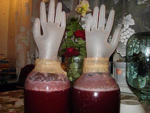 Вино из варенья забродившего в домашних условиях быстро и
