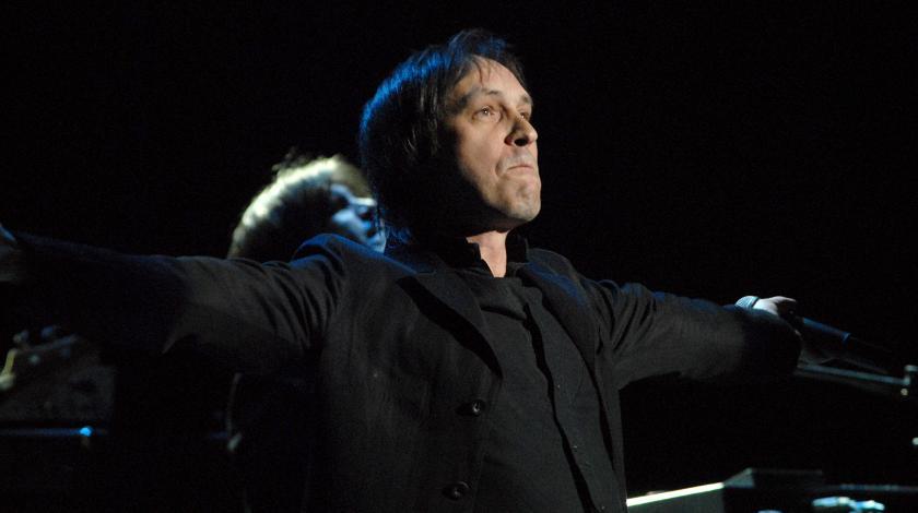 Известный певец после инсульта рвется на сцену