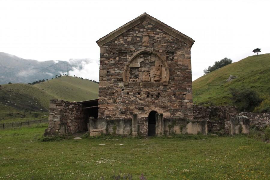 Ингушетия. Древние церкви в горах - призраки ушедшего христианства