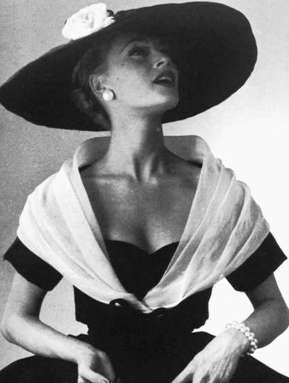 «New look» Кристиана Диора — сказка роскоши и блистательных нарядов 50-х