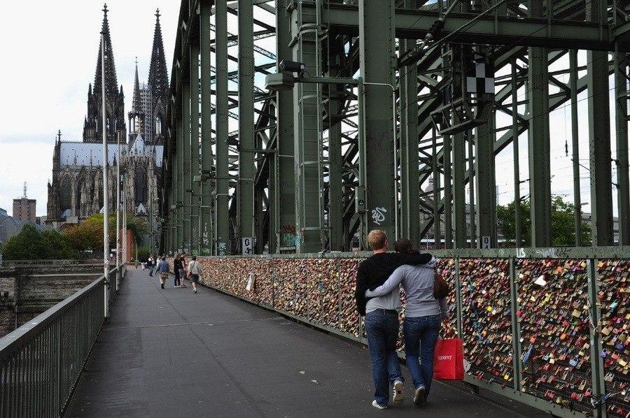Мост любви Hohenzollernbruecke Bridge