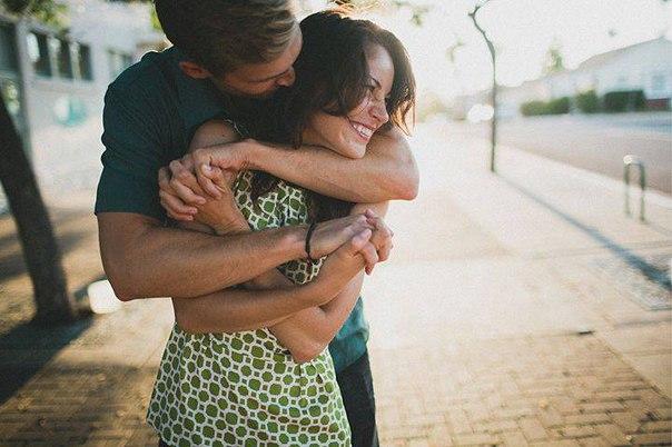 - Поздравляю, сразу видно, что Вы женились... Улыбнемся)))