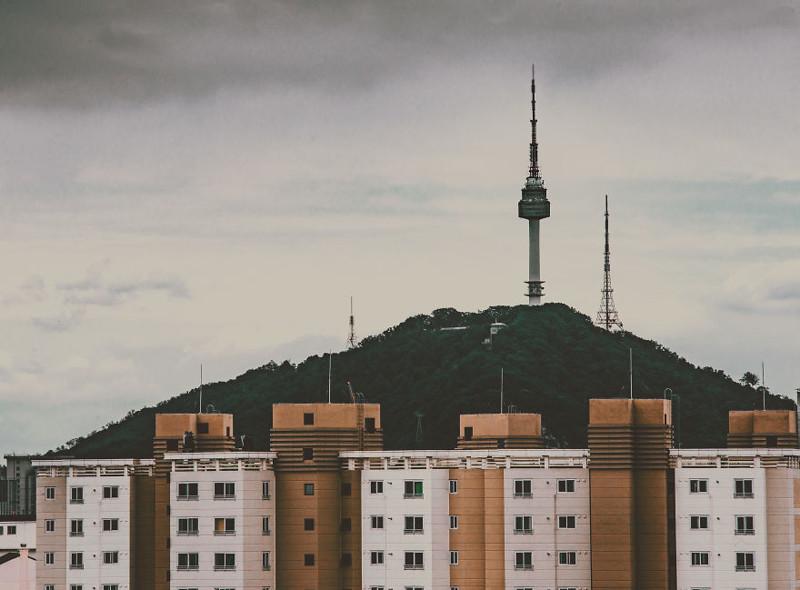 Виднеется Сеульская телебашня - самое высокое здание в Сеуле (236 м) корея, моменты, планета, путешествия, страна, фото, фотограф, южная корея