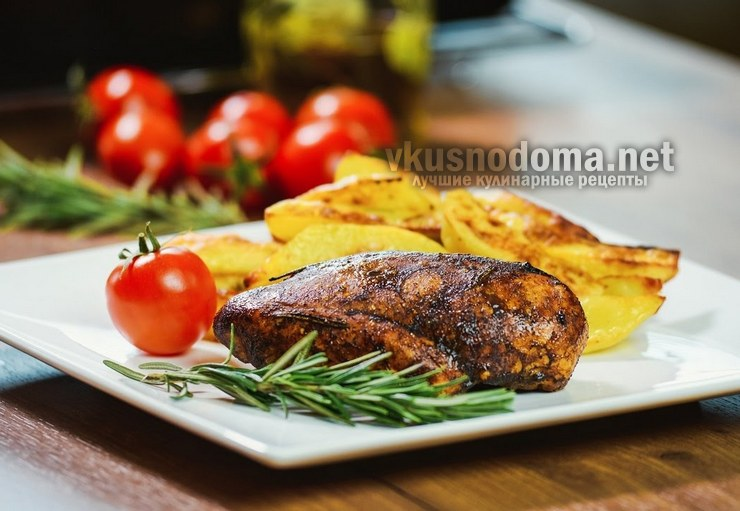 Куриное филе в бальзамическом соусе с запечённым картофелем