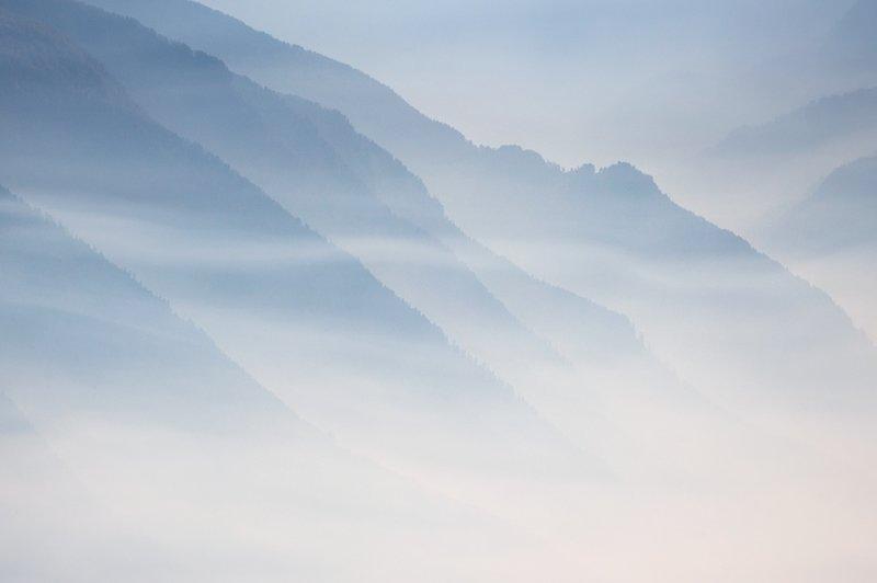 Склоны в долине Валь-ди-Суза, Италия горы, красиво, небо, облака, природа, творчество, фото, фотограф