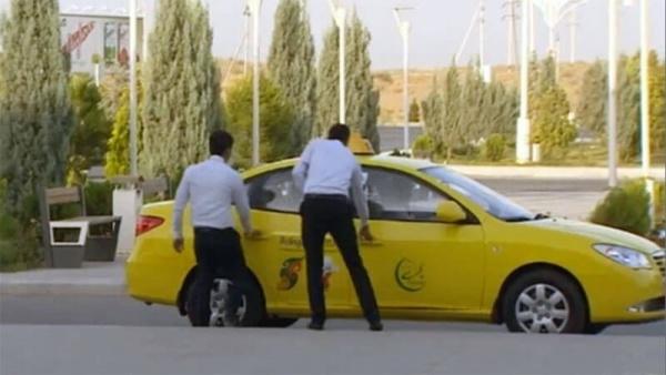 ВАшхабаде начали отлавливать таксистов-частников
