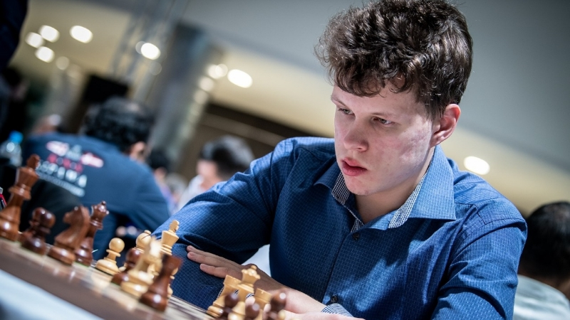 Владислав Артемьев в составе сборной России стал чемпионом мира по шахматам