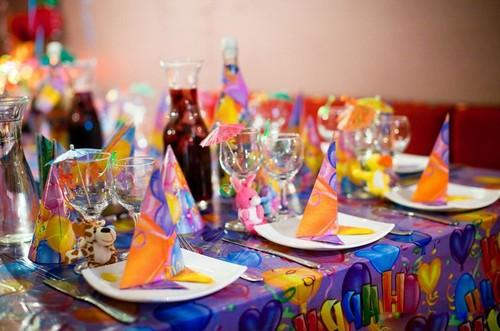 Оформление праздничного стола для детей