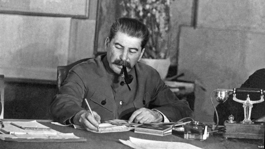 При Сталине за год расстреляли 52 дивизии. Почему при Сталине не боролись с ворами в законе. Как Сталин пытался присоединить часть Китая (3 статьи)