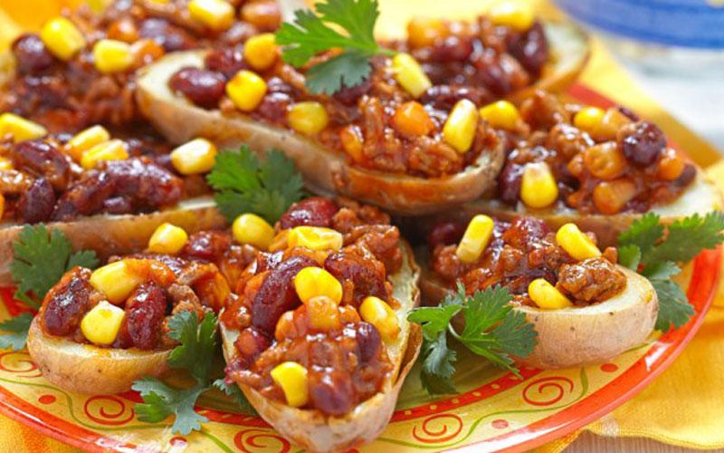 Аппетитный фаршированный картофель по-мексикански