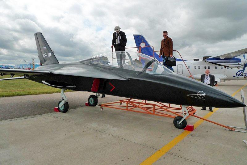 СР-10 — первый современный российский самолет, выполненный только из отечественных комплектующих с производственной площадкой в Дагестане