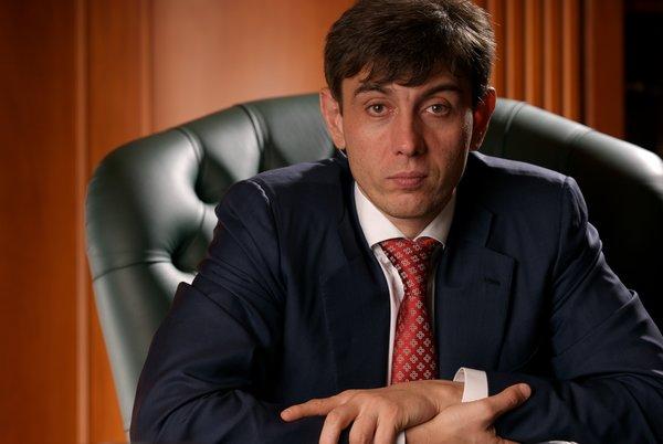 """Кем был основатель сети """"Магнит"""" Галицкий до того, как стал миллиардером?"""