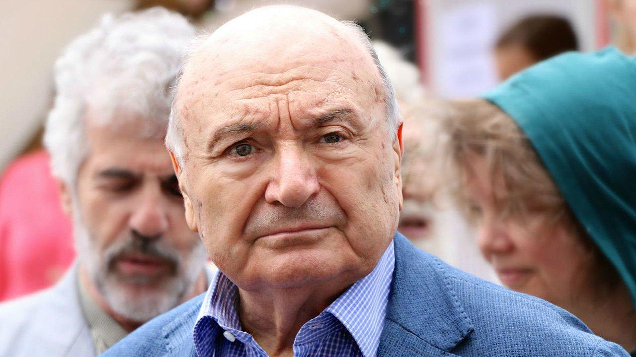 Жванецкий поддержал выдвижение кандидатуры Зеленского на выборах президента Украины