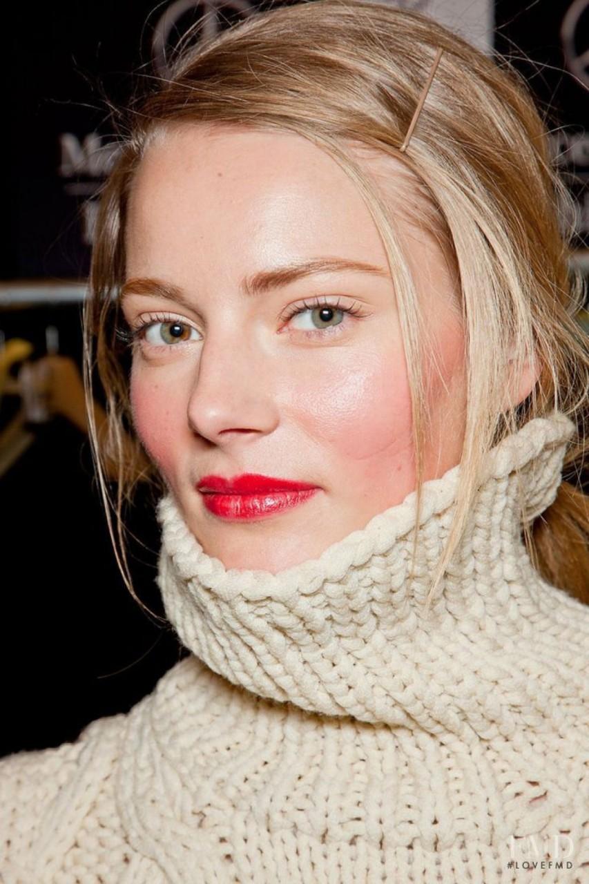 Пять ошибок в макияже, которые вас старят