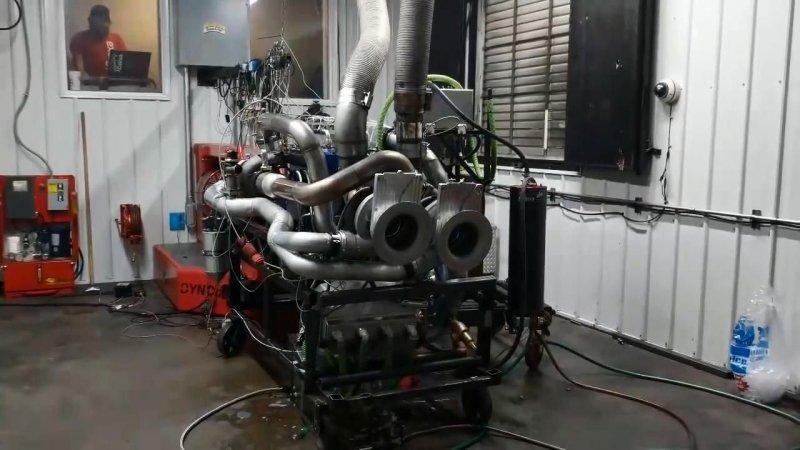 Впечатляющий взрыв дизельного двигателя с тремя турбинами во время испытаний