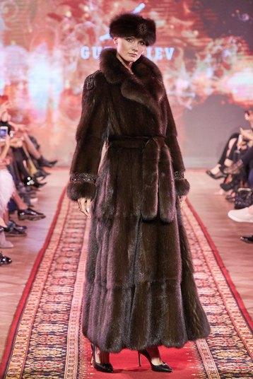 Стильные шубы на зиму: 16 моделей Gutseriev & Maximova из натурального меха