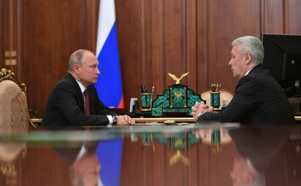 Медведева могут заменить на Собянина уже после Нового года