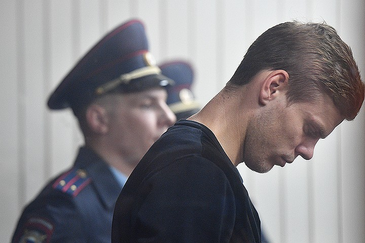 Кокорин и Мамаев в Бутырской тюрьме: неработающий телевизор, спортзал и душ в камерах
