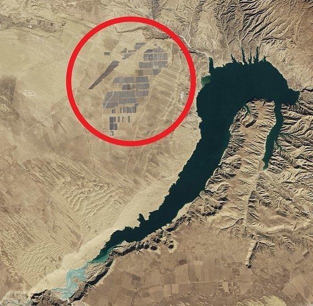 Первая ферма была построена на плотине Лунъянся Цинхай, китай, мир, солнечная батарея, солнечная ферма, солнце, электроэнергия
