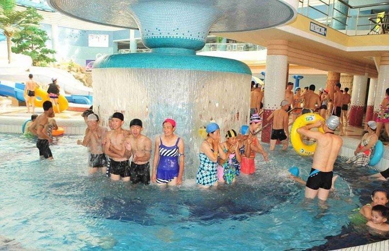 Удовольствие это не из дешевых и доступно далеко не всем гражданам Израиль, аквапарк, кндр, развлечения, северная корея, турист