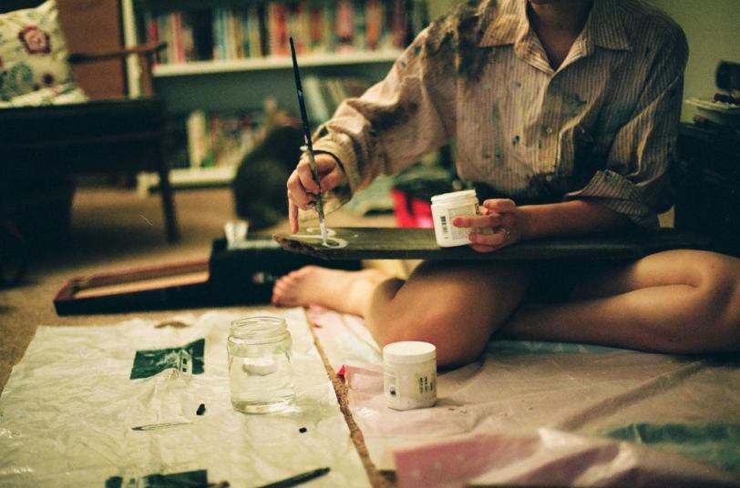 Рвота, кровь и пыль: Как создают произведения искусства в XXI веке