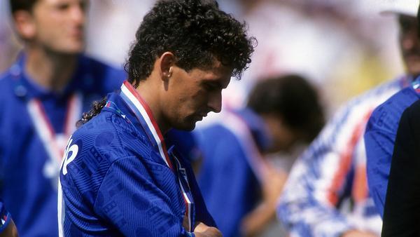 Футбольные легенды: Роберто …