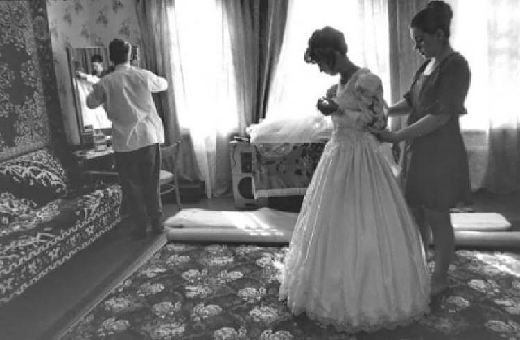 Никогда не желай зла на свадьбе! История берет свое начало еще из молодости моей бабушки. Она тогда жила в деревне