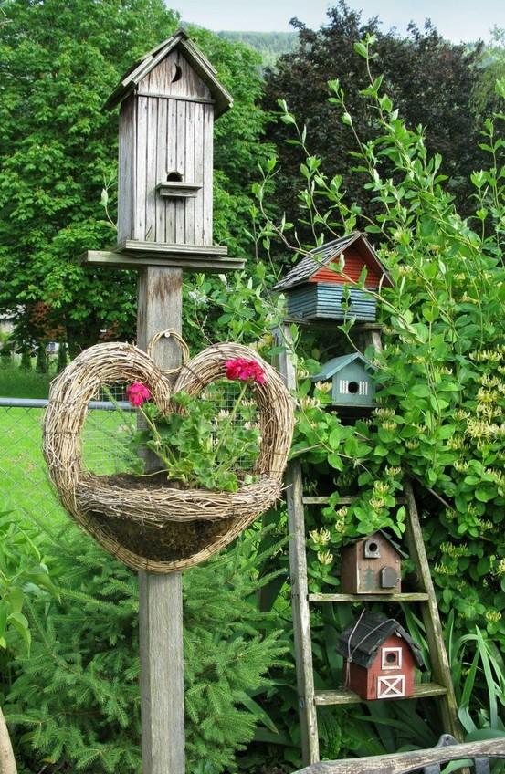 Декоративный домик в сад