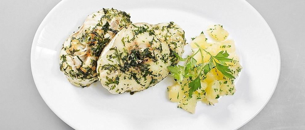 СЕМЕЙНЫЙ УЖИН. Рыбные рецепты. Хек в зеленом чесночном соусе