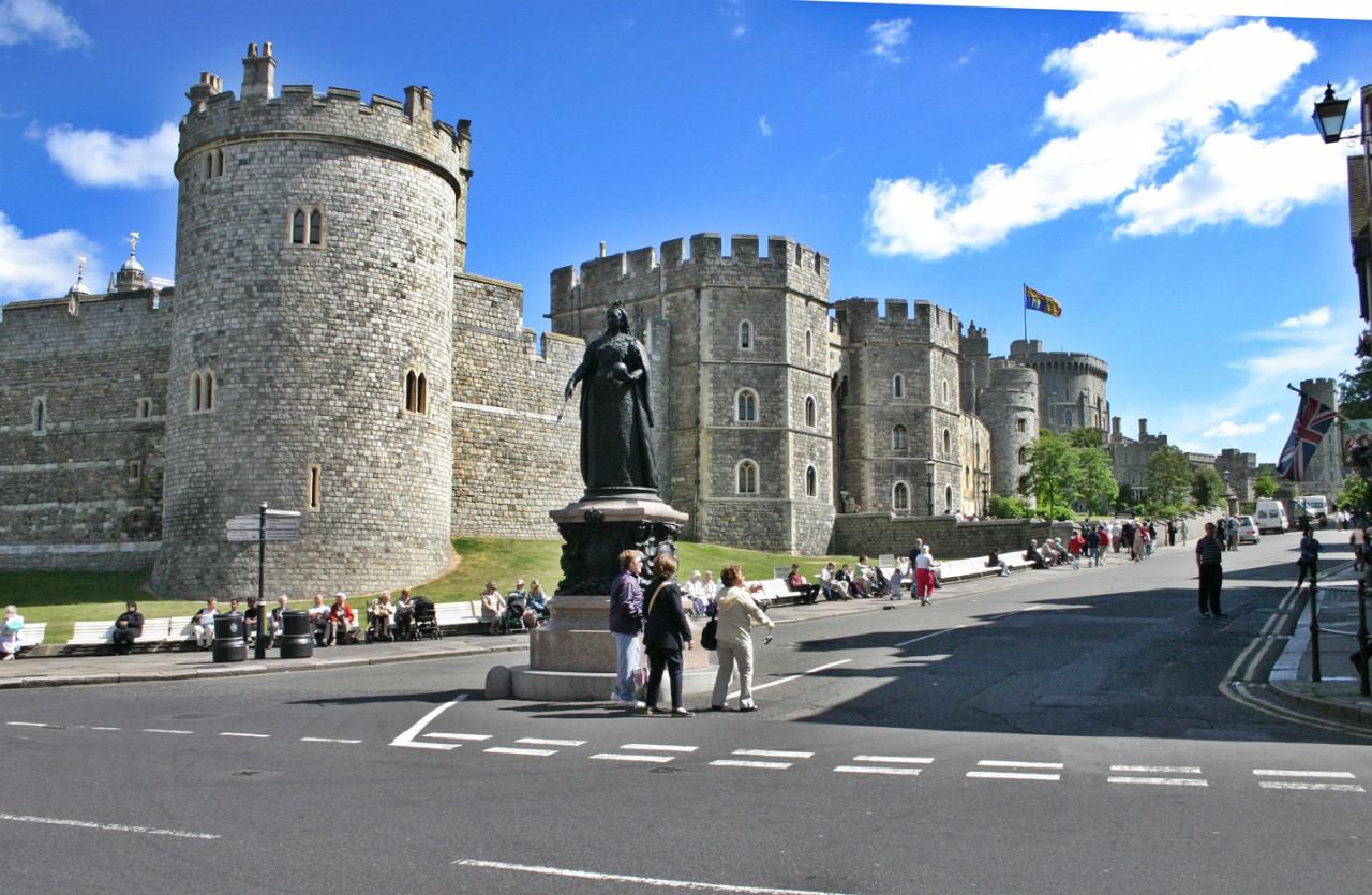 Резиденция королевы англии