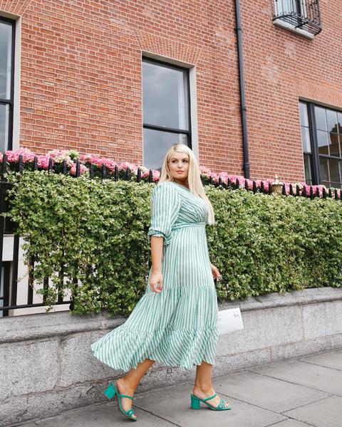 Модные летние платья для полных красавиц