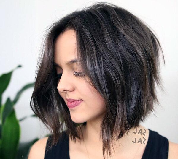 Лучшие стрижки для тех, кто ненавидит укладывать волосы.