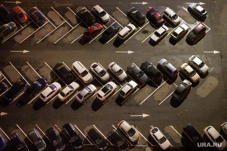 К чему приведет запрет парковки во дворах