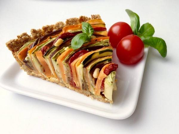 Как сделать цветной овощной пирог