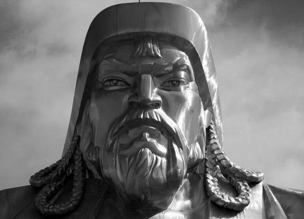 В какого бога верил Чингисхан