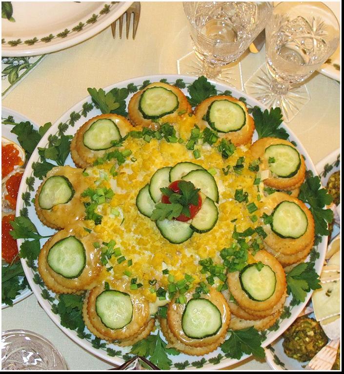 Салат-торт крекерный