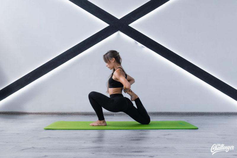 6 упражнений, которые улучшат растяжку и помогут сесть на шпагат. Изображение номер 3