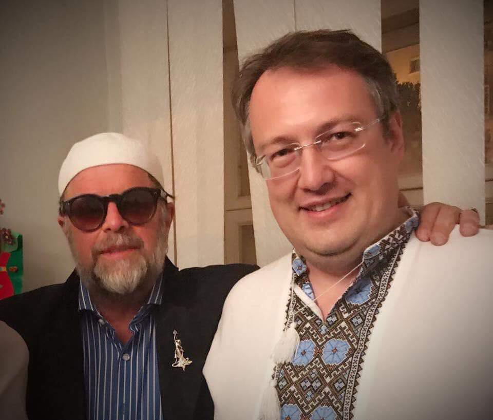 Гребенщиков собрал аншлаг в Киеве, пожалел крымчан и обнялся с русофобом Геращенко